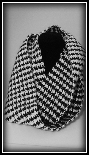 Houndtooth Infinity Scarf