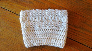 Free Waves and Shell Boot Cuff pattern by ELK Studio